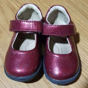 Ruby red Mary Jane style toddler shoes size 4